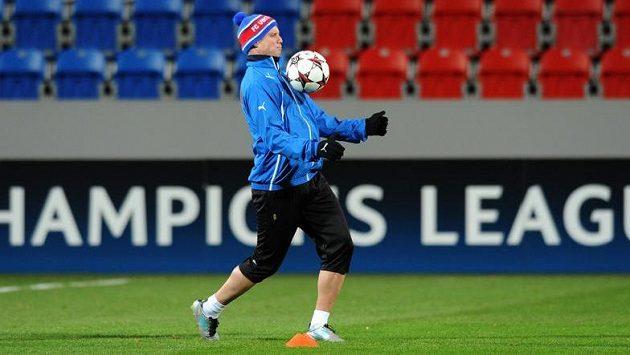 Obránce Viktorie Plzeň David Limberský během tréninku před utkáním Ligy mistrů mezi FC Viktoria Plzeň a CSKA Moskva.