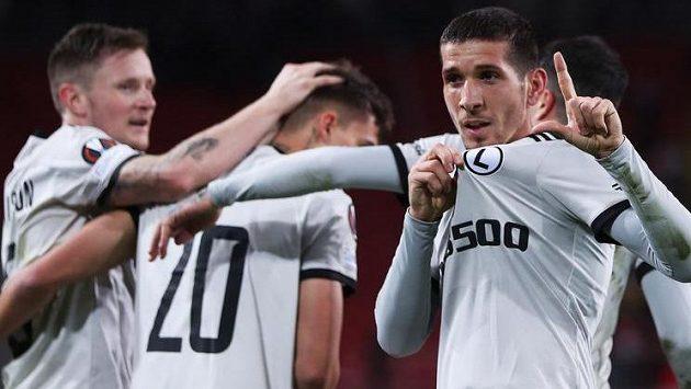Fotbalisté Legie Varšava se radují z jediné branky utkání