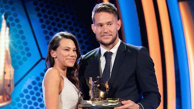 Tomáš Vaclík s manželkou Martinou během slavnostního vyhlášení ankety Fotbalista roku 2018.
