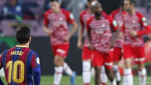Fotbalisté Barcelony nestačili ve 33. kole La Ligy na Granadu