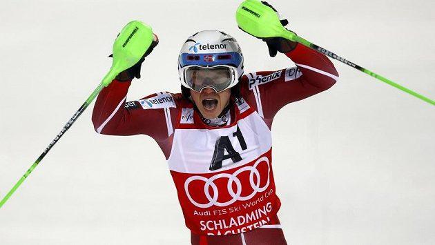 Nor Henrik Kristoffersen slavil ve Schladmingu další triumf ve slalomu SP.