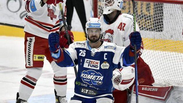 Martin Zaťovič z Brna se raduje z gólu