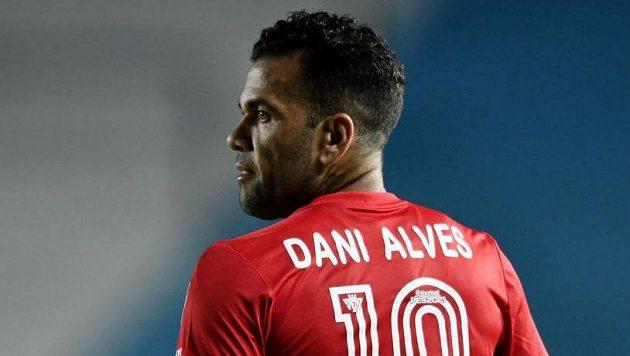 Obránce Dani Alves se po téměř dvou letech vrací do brazilské reprezentace