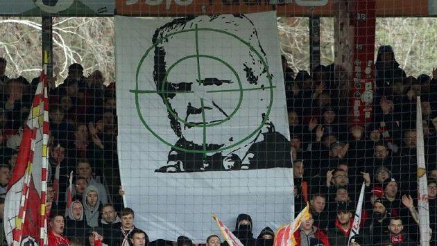 Dietmar Hopp je terčem nenávisti německých fotbalových fanoušků.