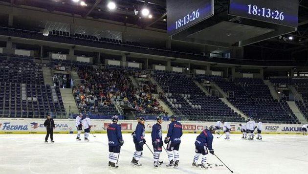 Hokejisté mistrovského Liberce znovu vyjeli na led.