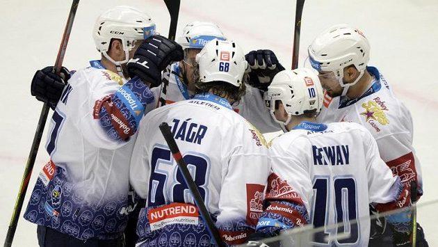Hráči Kladna se radují z gólu - archivní foto.