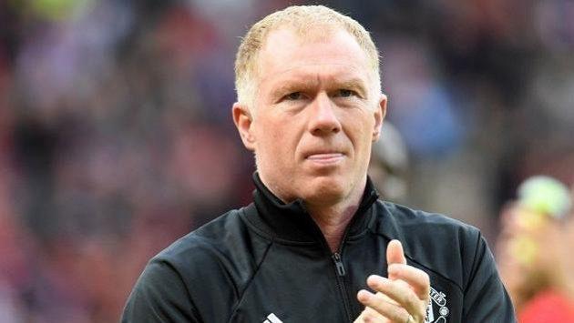 Paul Scholes dostal za sázení na fotbal od národní asociace pokutu 8000 liber