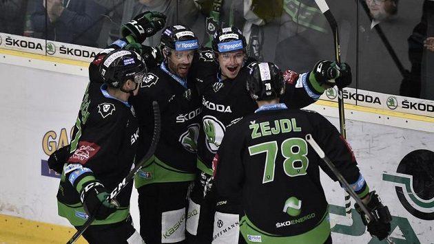 Hokejisté Mladé Boleslavi se radují, ilustrační snímek.