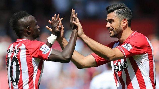 Hráči Southamptonu Graziano Pellé a Sadio Mané proti Aston Ville zářili.