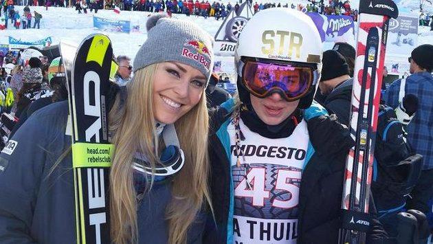 Česká reprezentantka Ester Ledecká (vpravo na snímku s Lindsey Vonnovou) bodovala i v superobřím slalomu v La Thuile.