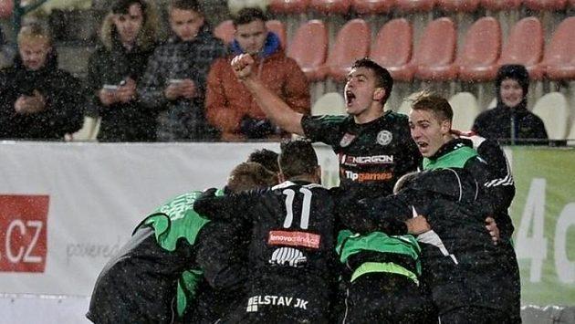 Hráči Příbrami se radují z vítězství nad CSKA Moskva.