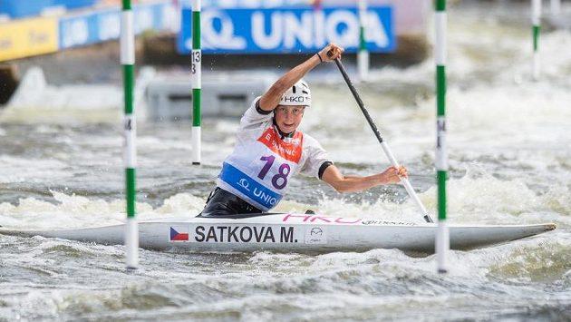 Kanoistka Martina Satková během Světového poháru ve vodním slalomu. (ilustrační foto)