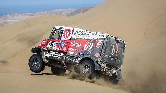 Aleš Loprais s tatrou na trati Rallye Dakar.