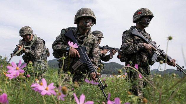Cvičení jihokorejské armády. Ilustrační snímek.