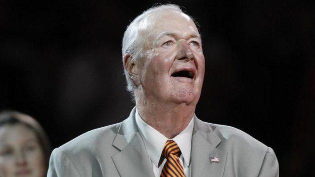 V 88 letech zemřel bývalý basketbalový trenér a člen Naismithovy Síně slávy Bobby Leonard