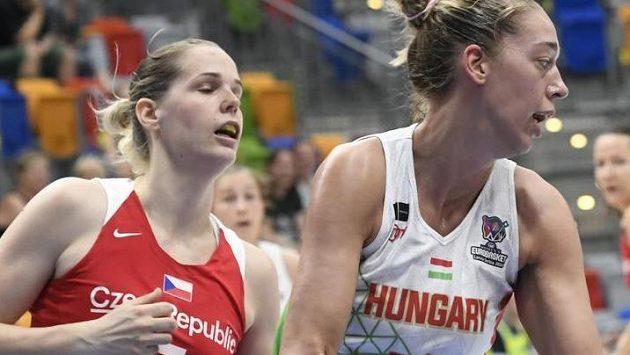 Zleva Alena Hanušová z ČR a Bernadett Határová z Maďarska.