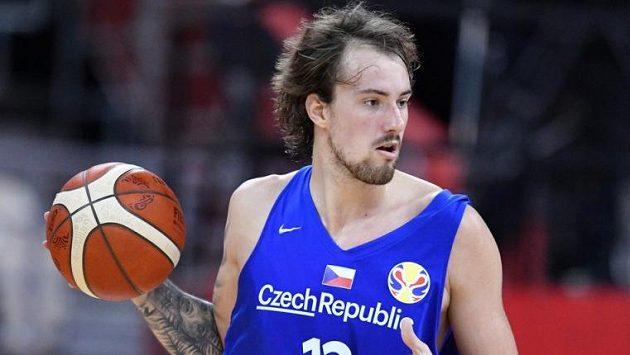 Český basketbalista Ondřej Balvín, ilustrační foto.