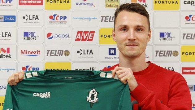 Michal Jeřábek se dočkal jabloneckého dresu.