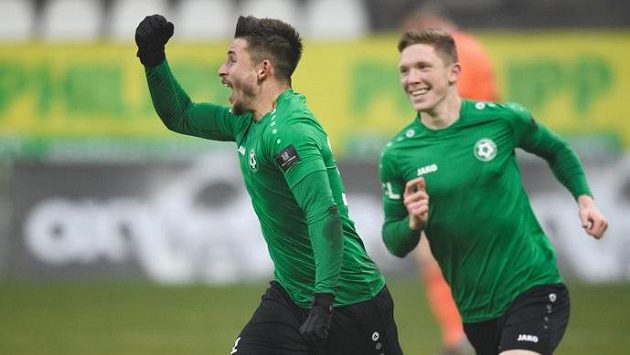 Radek Voltr z Příbrami oslavuje gól na 1:1
