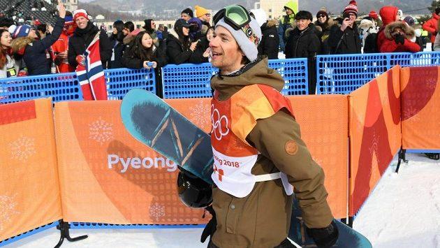Snowboardista Petr Horák při olympijské jízdě.