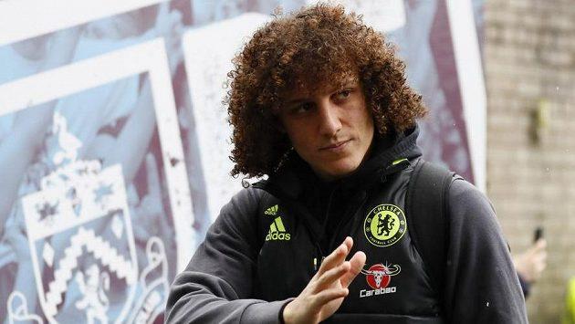 Obránce Chelsea David Luiz.