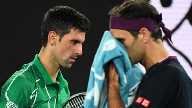 Novak Djokovič a Roger Federer během zápasu na Australian Open
