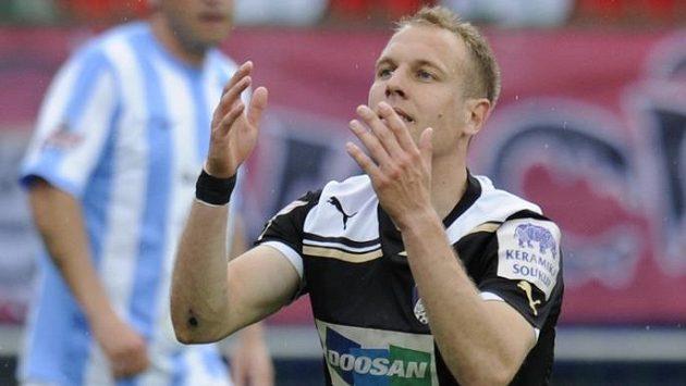 Daniel Kolář z Plzně po zmařené šanci v Mladé Boleslavi.