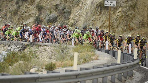Cyklisté během jedné z etap závodu kolem Kalifornie.
