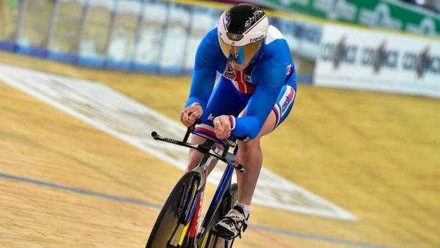 Dráhový cyklista Jiří Janošek získal na mistrovství Evropy jezdců do 23 let v Gentu bronzovou medaili v závodě na kilometr s pevným startem.