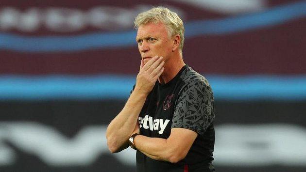 Kouč West Hamu David Moyes před zápasem s Charltonem.