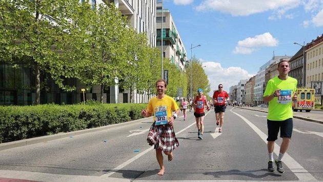 Tomáš Zahálka - už jen pár kilometrů a bude cííííl.