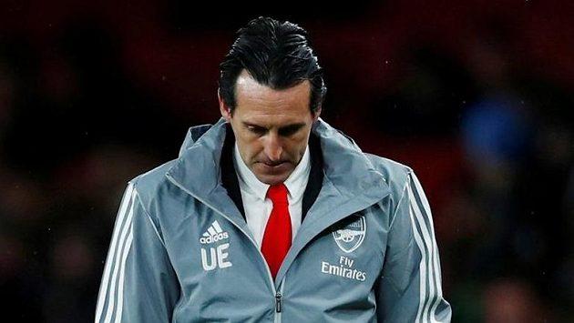 Kouč Arsenalu Unai Emery po porážce s Frankfurtem.