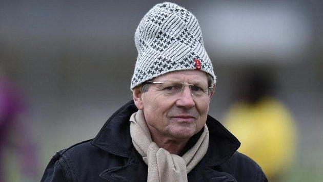 Trenér Vlastimil Petržela se ujme Baníku Ostrava.