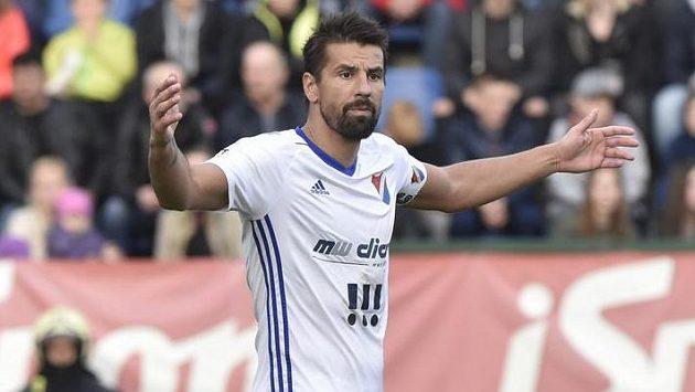 Milan Baroš z Baníku při utkání ve Zlíně.