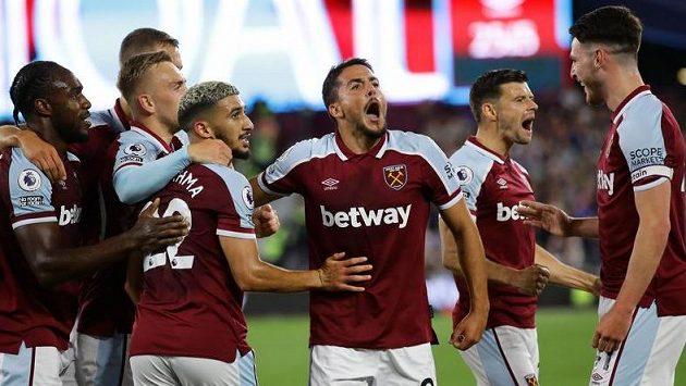 Fotbalisté West Hamu prožívají mimořádně úspěšné období. Zapadnou v týmu nové posily?