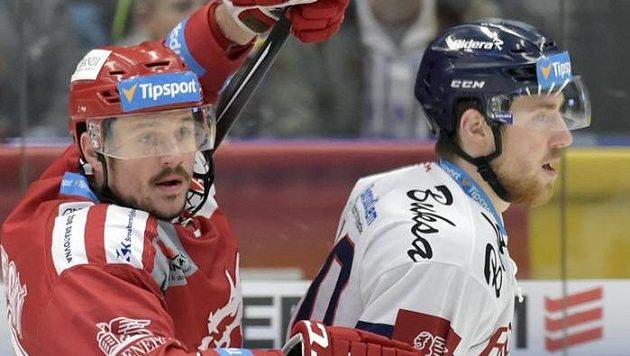 Zleva Vladimír Dravecký z Třince a Jakub Lev z Vítkovic.