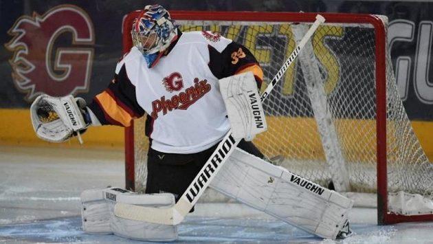 Petr Čech v akci jako brankář hokejistů Guildfordu.
