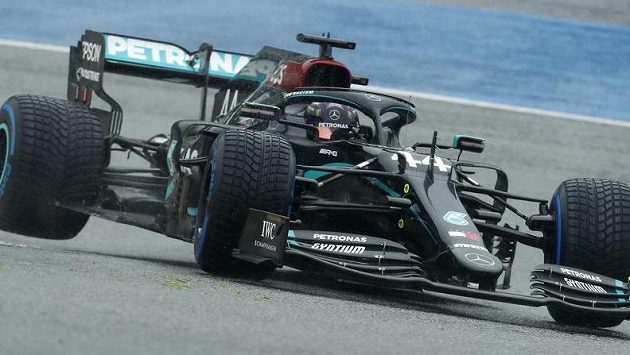 Lewis Hamilton ovládl kvalifikaci na Velkou cenu Štýrska