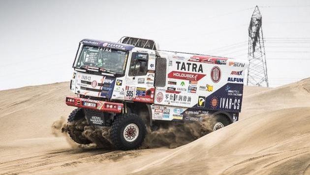 Tatra Martina Kolomého během závěrečného testování před zahájením Rallye Dakar.