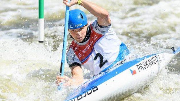 Kajakář Jiří Prskavec během finálové jízdy ve třetím závodě Českého poháru ve vodním slalomu