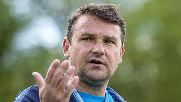Nový trenér Karel Havlíček se ujal královéhradeckých fotbalistů.