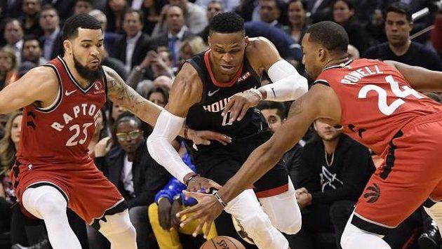 Basketbalisté Houstonu zvítězili na palubovce Toronta