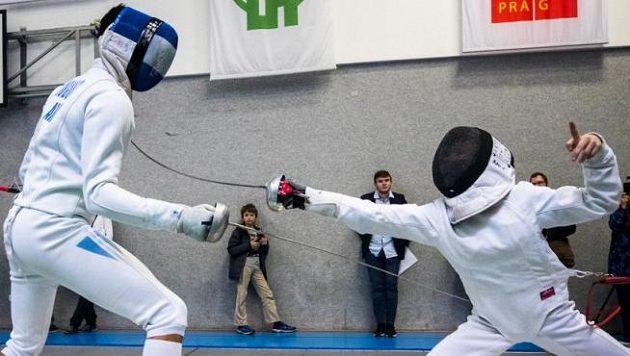 Šest šermířů se z turnaje v Budapešti vrátilo s koronavirem (ilustrační foto)