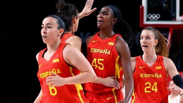 Španělské basketbalistky na cestě za obhajobou stříbrných olympijských medailí vyhrály i poslední třetí zápas ve skupině A, v němž porazily Kanadu