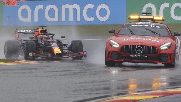 Velká cena Belgie formule 1 ve Spa-Francorchamps se potýkala s velkou nepřízní počasí