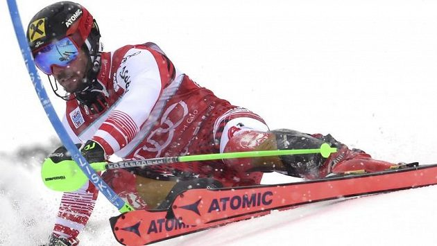 Marcel Hirscher během slalomu v Adelbodenu.
