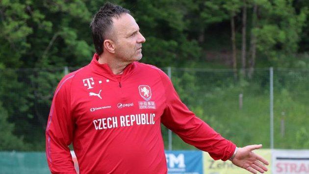 Trenér české fotbalové reprezentace do jednadvaceti let Karel Krejčí. Ilustrační foto.