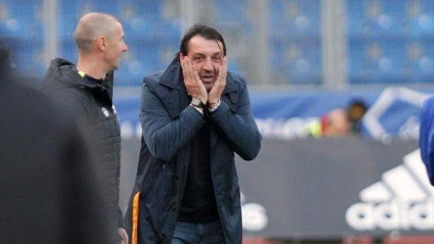 Trenér fotbalového Liberce Zsolt Hornyák reaguje na uznaný gól Ostravy.