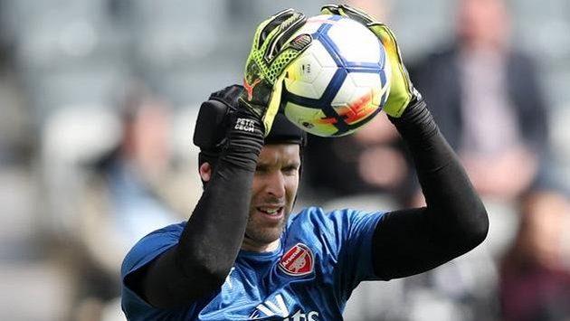 Na Čechovi bude hodně záležet, zda Arsenal zachrání sezónu.