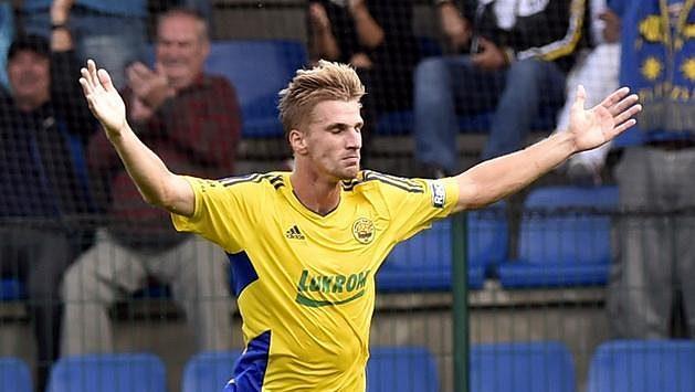 Jakub Jugas ze Zlína se raduje z gólu proti Liberci.